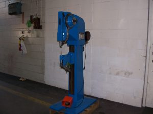 NATIONAL RIVET MACHINE MODEL 800 with compensator